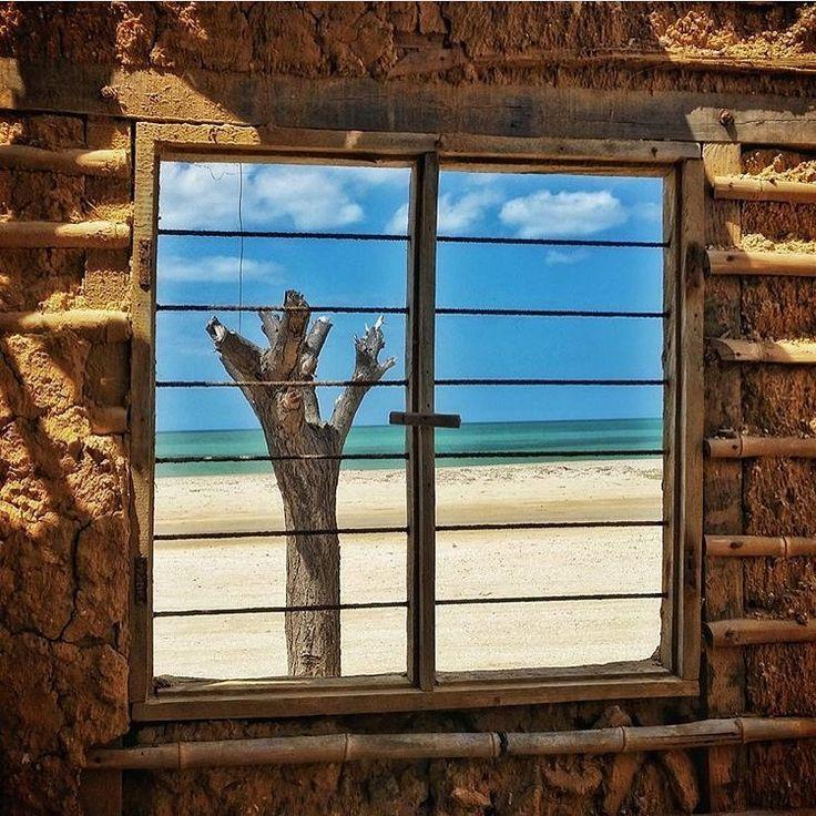 ¡Hay castillos que no gozan de esta vista! Hermosa nuestra Guajira.   Fotografía; @miguelygram