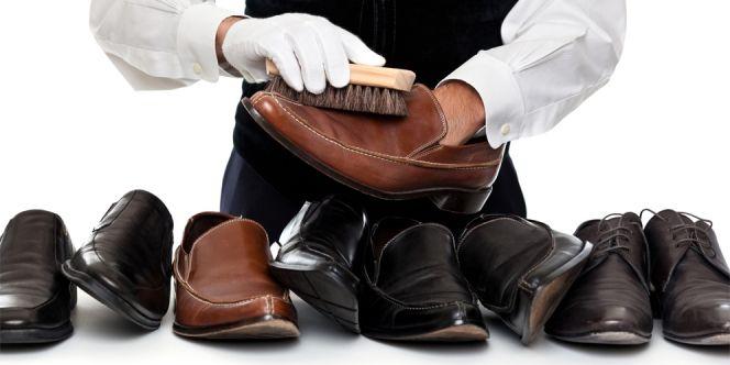 Kebersihan sepatu menjadi faktor yang sangat penting bagi penampilan. Tidak jarang sepatu yang kotor dan bau membuat percaya diri pemakainya menurun.