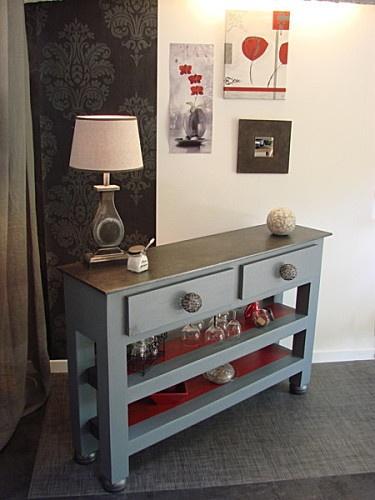 Une console double tiroir