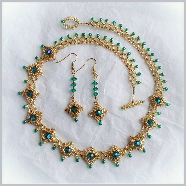 """The emerald drops' Tutorial  U'll need 11# Delica beads, Facetet beads 6 mm, Miyuki drops."