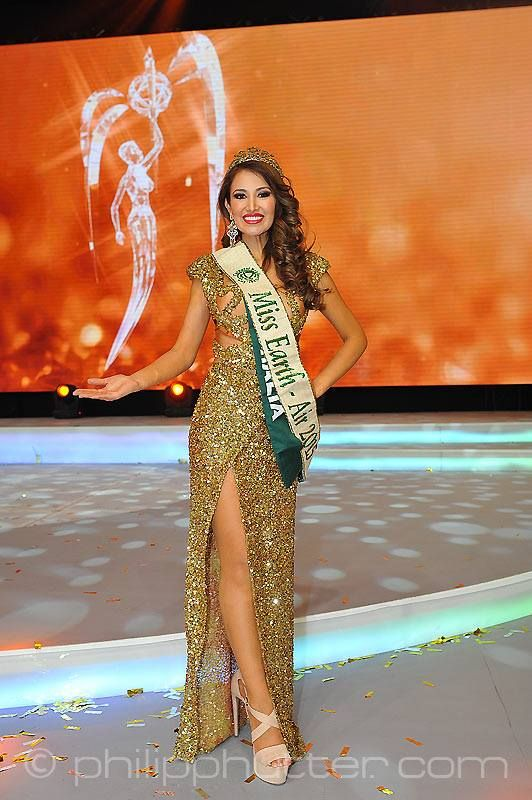 Miss Earth 2015 was held on 5 December 2015 at Marx Halle in Vienna, Austria. It was the first time the pageant was held in Europe and outside of Asia. It was also the first back to back victories in Miss Earth history: Angelia Ong of the Philippines crowned by Jamie Herrell of the Philippines. Australia's Dayanna Grageda was Miss Earth-Air 2015; Brittany Payne of USA was Miss Earth-Water 2015, and and Thiessa Sickert of Brazil was Miss Earth-Fire 2015