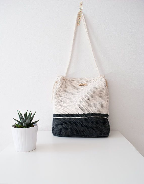 Crochet bag My Lovely Bag London black and white  di MyLovelyHook
