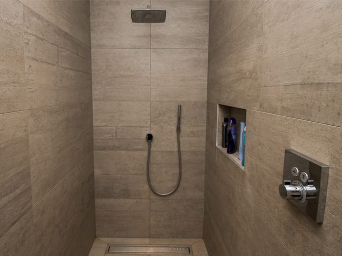 75 best images about inloopdouche on pinterest toilets studios and we - Badkamer in een kamer ...