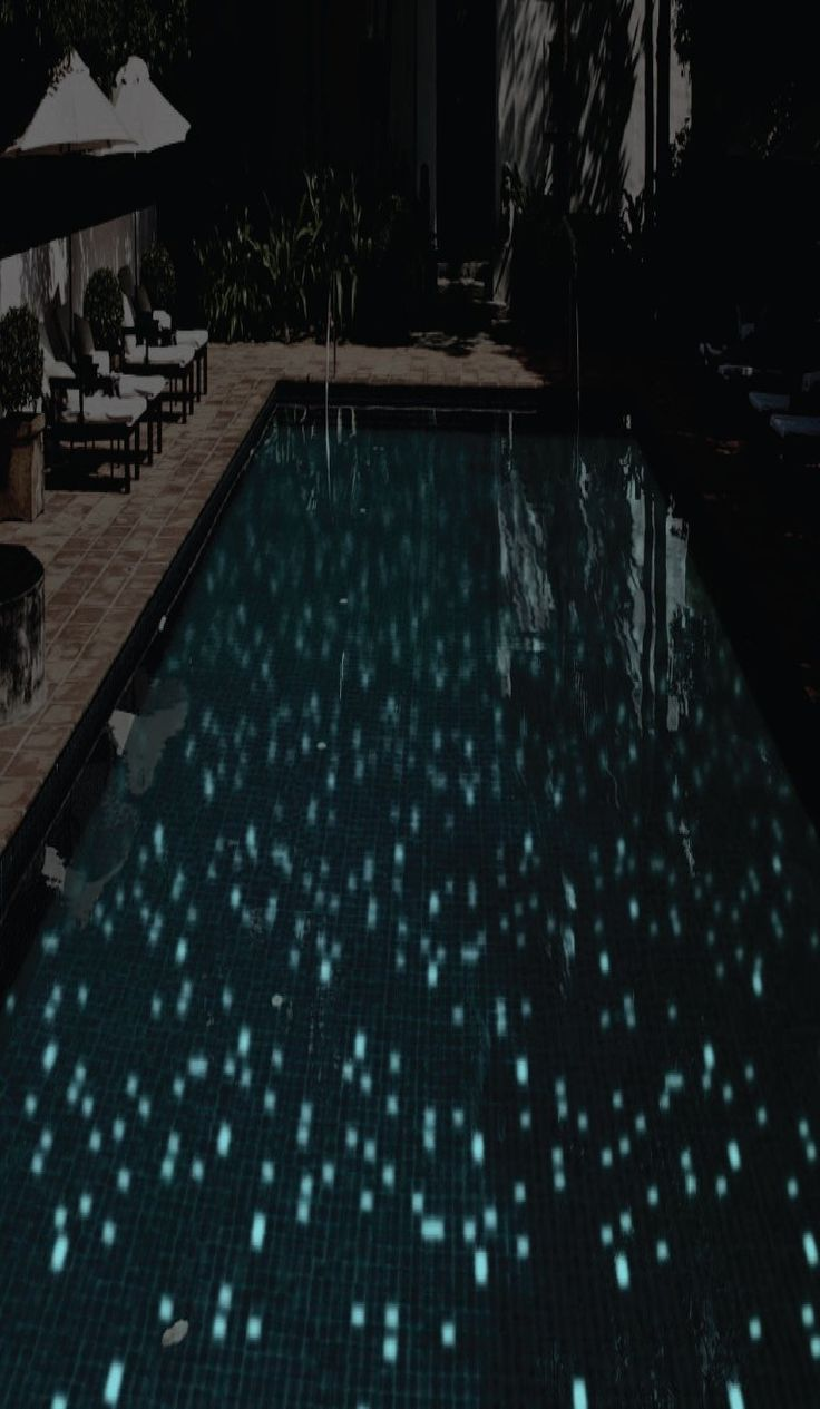 Mid america tile elk grove village - Swimming By Night Glow In The Dark Mosaics By Onixmosaico