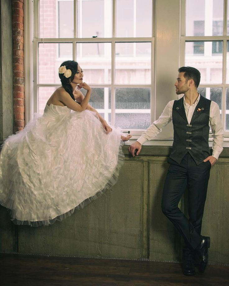 Wonderful collaboration. My beautiful tulle dress and Gustavo's unique designs. designer: @gustavo.apiti.couture @sunnykaydesigns model: @mikkukfriend @shaun_nielson photographer: @changp82 h&mu: @riahhair_ studio: @prince_fox_seattle #shesaidyes #isaidyes #engaged #proposal #weddingdress #bridal #bridaldress #wedding #sfw #seattlefashionweek #bridalfashionweek #fashion #fashiondesigner #lifestyle #redcarpet #sunnykay #sunnykaydesigns #웨딩드레스 #패션디자이너 #style  #fashionblogger #weddingblogger…