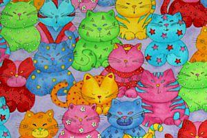 Renkli kediler, pembe kedi, mavi kedi, yeşil çizgili kedi, gülümseyen kedi, bir kalabalığın içinde kediler