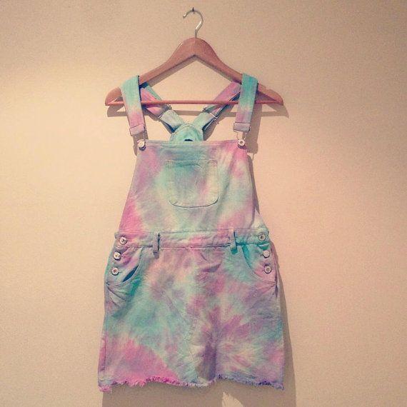 Pastel tie dye | Op een korte tuinbroek, ook leuk als jurkje