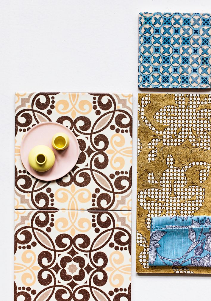 Moroccon style tiles, gold and something blue. What a charming combination. Photo Mikko Hannula / Glorian Koti.