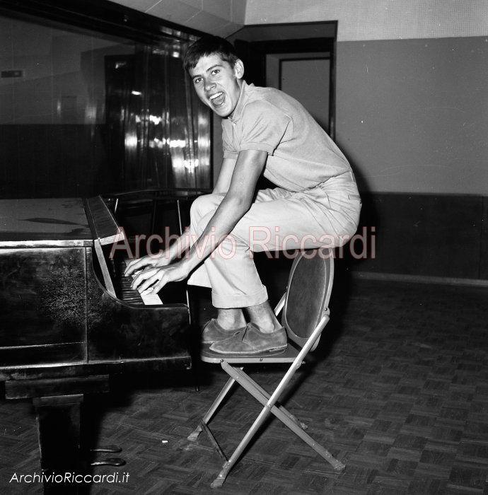 Gianni Morandi - 1963 - Alla RCA -019