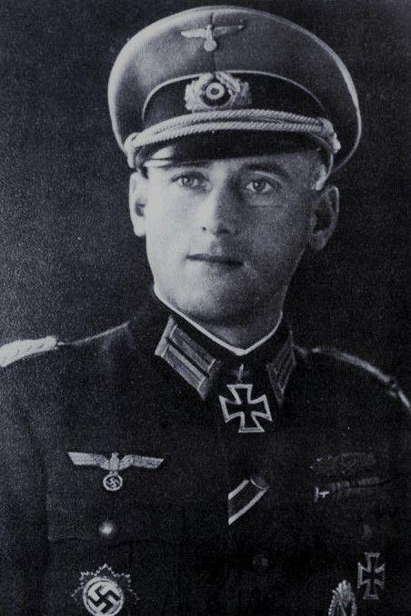Oberstleutnant Friedrich Richter (1910-1969), Kommandeur Grenadier Regiment 1222, Ritterkreuz 17.08.1943, Eichenlaub (818) 05.04.1945