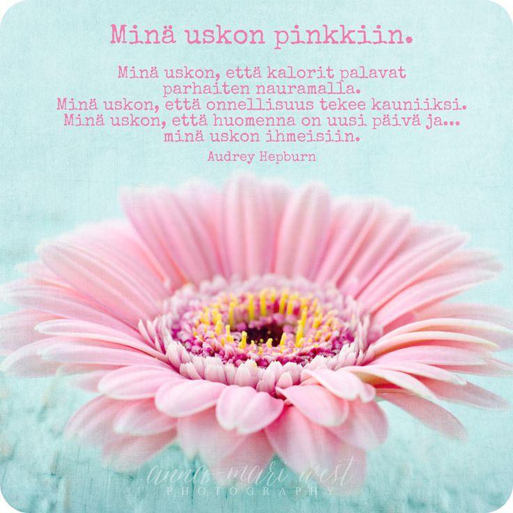 Kortti; Minä uskon pinkkiin | Anna-Mari West Photography