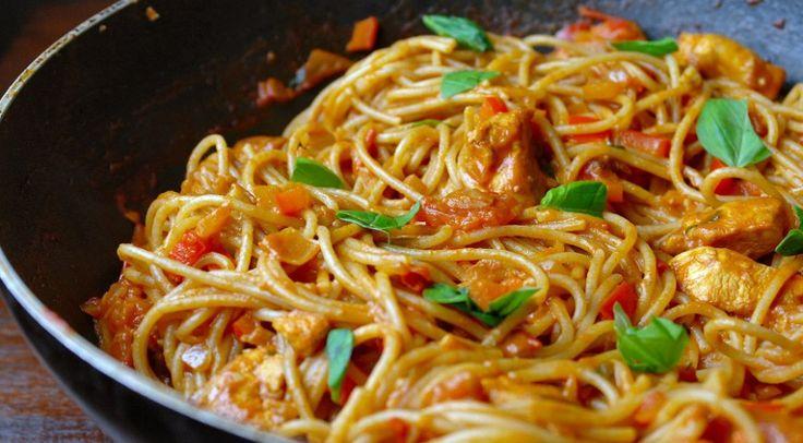Pittige pasta met romige knoflooksaus en kip 3