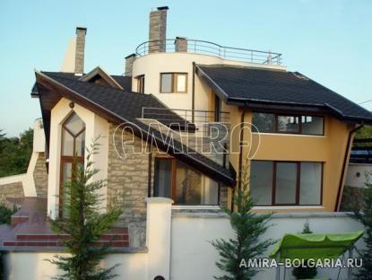Semi-detached villa with Varna lake view