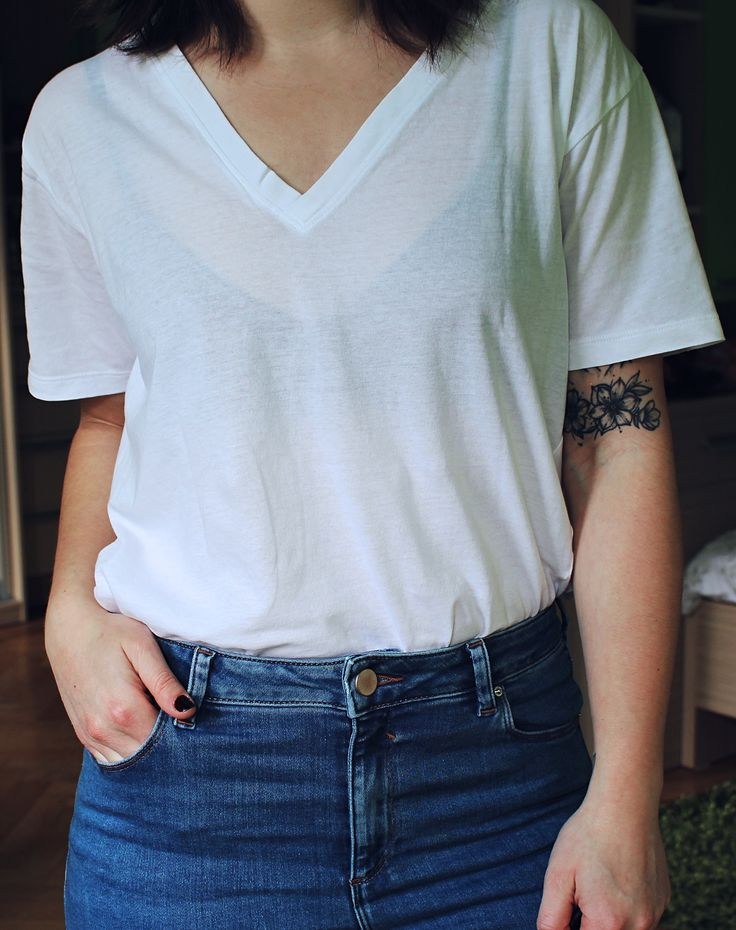 It never fails: white tee and blue jeans.