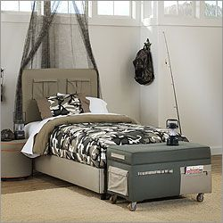Military inspired bedroom - like the trunk at the end of the bed