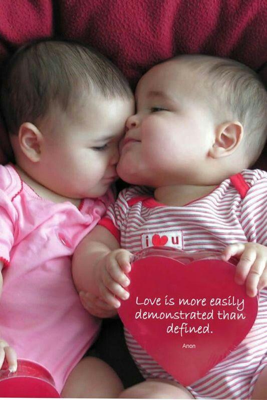 Cute Baby Saying I Love You 50887 Usbdata