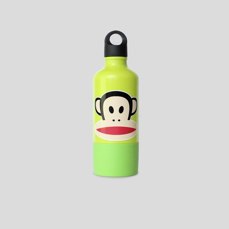 Look how cute our Paul Frank drinking bottle look with our favorite monkey Julius. Mix and match with the lunchboxes for a funky meal! Design by Room Copenhagen