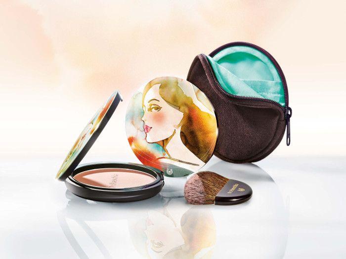 LE Bronzing powder Dr. Hauschka binnenkort verkrijgbaar voor slechts €21,50 inclusief mooie verpakking, kwast en etuitje!!