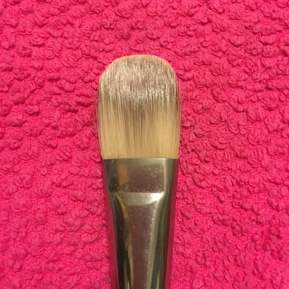 MAC Foundation Brush #190 MAC Foundation Brush #190. Cleaned after each use with MAC Brush Cleaner and shampooed before listing. Logo & brush# faded from handle, but still in excellent shape! MAC Cosmetics Makeup Brushes & Tools