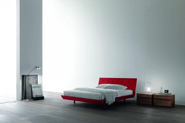 Moon postel červená matná / red matt bed