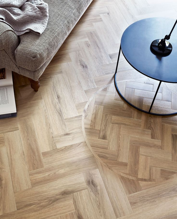 Cornish Oak: Beautifully designed LVT flooring from the Amtico Signature Collection - Residential