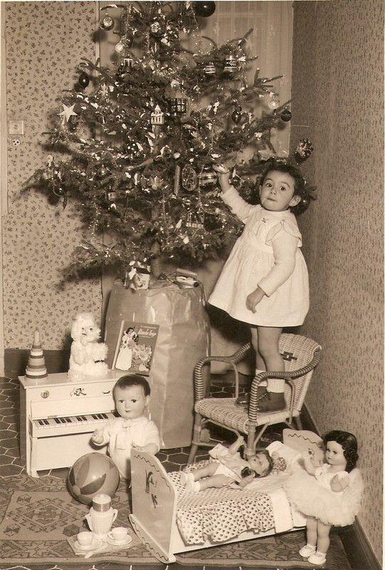 la féerie de Noël et l'émerveillement de découvrir ses cadeaux...