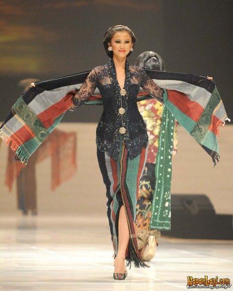 anne avantie Kebaya-Indonesia, collection 1 Love this kebaya