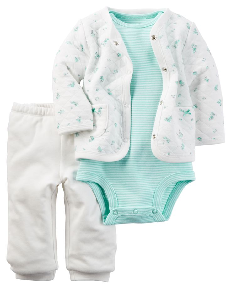 Featuring a quilted cotton cardigan, this 3-piece set is complete with jersey pants and a soft cotton bodysuit.