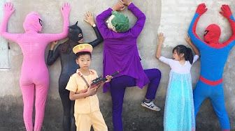 Frozen Elsa vs Spiderman 👉 Joker Kidnap Elsa Spiderman Police Kids Santa Claus & Police Arrest! - YouTube