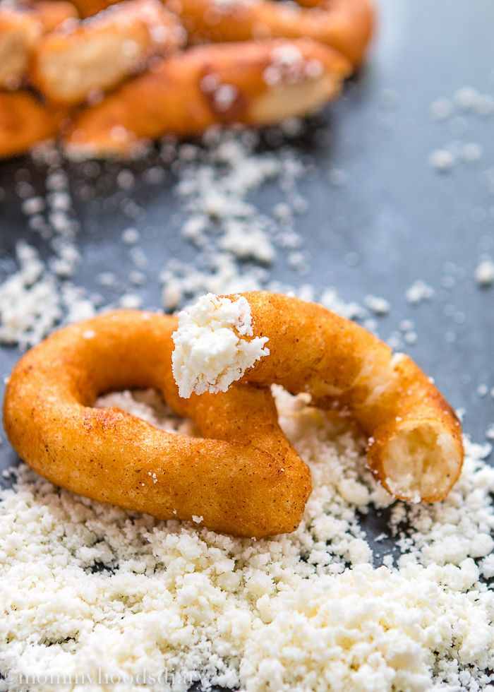 Venezuelan Sweet Corn Fritters - these delicious corn bites arecrunchy on the outside, andsoft and cheesyon the inside. It's November!! Can you believe it? In a few days everything will begin to...