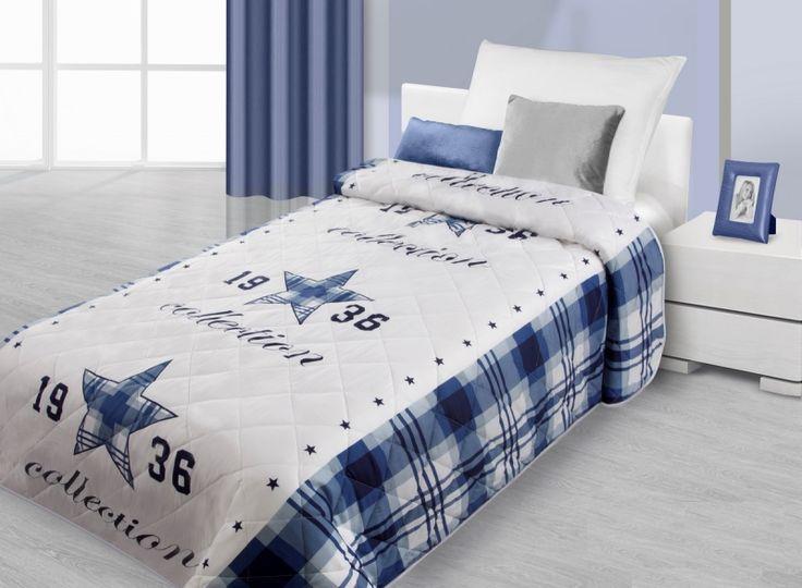 Modro bílý přehoz na postel se vzorem modré hvězdy