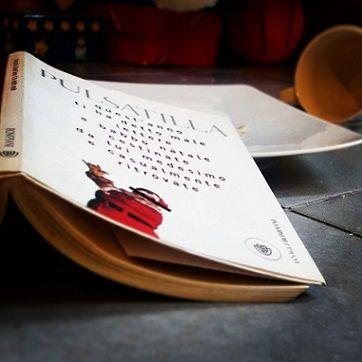 """Chi ha detto che solo i bambini ( e le bloggerdi In Punta di Penna ) scrivono le letterine a Babbo Natale? Ma soprattutto, chi ha detto che Babbo Natale riceve solo lettere dolci come lo zucchero, piene di buoni sentimenti e di richieste di doni? """"Quest'anno ti ha detto male – Lettere a Babbo… Continue reading →"""