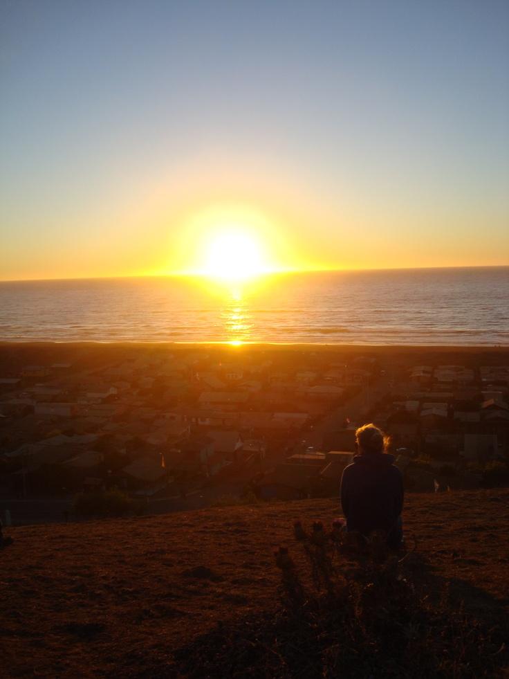 Puesta de sol en Iloca, Chile. Desde el Cerro.