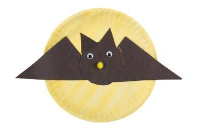 Paper Plate Bat For Halloween. It's an quick and easy kids craft project.