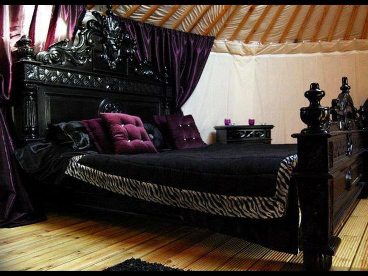 13 Mysterious Gothic Bedroom Interior Design Ideas. 17 Best ideas about Purple Black Bedroom on Pinterest   Silver