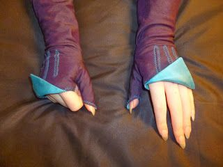 Mouse Borg Designs: Blue & Purple Mitts tutorial
