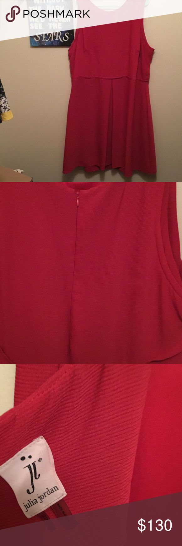 Julia Jordan fuchsia dress NWOT! Perfect for a wedding, homecoming, or a girls night out Julia Jordan Dresses Midi