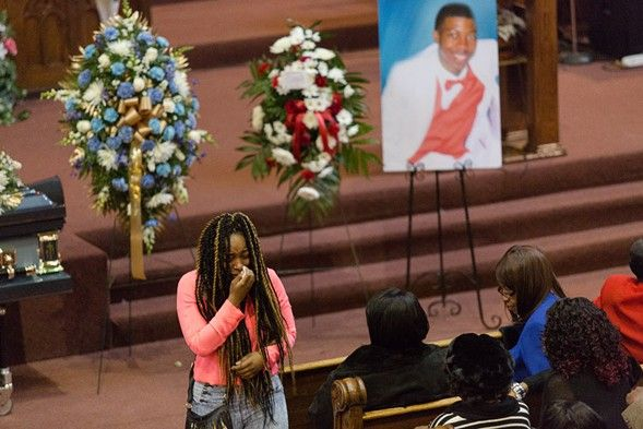 Teen shot by police called 911 for help multiple times, peak flu season approaches, and other Chicago news - http://www.chicagoreader.com/Bleader/archives/2016/01/27/teen-shot-by-police-called-911-for-help-multiple-times-peak-flu-season-approaches-and-other-chicago-news