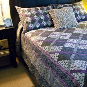 ARGYLE Easy plaid-effect king size quilt pattern Designed by TERRY ALBERS Made by LOU ANN EBERHARDT Machine quilted by MARY KLEIN  Pattern in the June/July 2015 issue of McCall's Quick Quilts