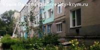 #красногвардейское #Продажа: 2-комнатная квартира  Предлагаю вашему вниманию двухкомнатную квартиру в центральном районе Крыма, с.Восход, 10 км от пгт. Красногвардейское. Отличная планировка, две раздельные комнаты : зал 17,7 кв.м., спальня 9,3 кв.м, кухня 8,2 кв.м. Большая застекленная лоджия 3,4 кв.м, кладовая, коридор 8 кв.м. Теперь по мелочам: дверь металлическая, подведен проводной интернет, косметический ремонт, бойлер, газовый котел. Квартира очень светлая и уютная,а самое главное…