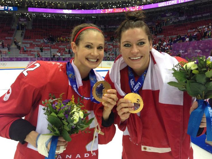 Meaghan Mikkelson and Natalie Spooner will comprise one of the teams on Amazing Race Canada (pic from Hockey Canada)