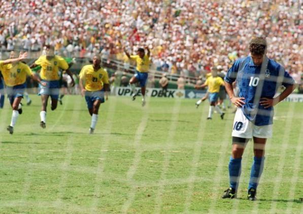 17 de julio de 1994, Rose Bowl, Los Ángeles. Roberto Baggio nos mostró que él también es humano. @diegoaaller