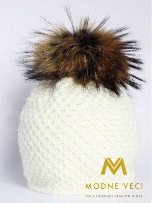 Dámska čiapka s brmbolcom z pravej  kožušiny - smotanovo - biela 3186