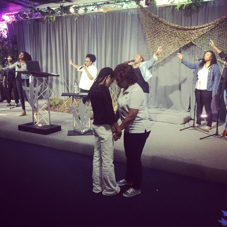 Even as a student you can submit your prayer request online anytime at www.harvestchurch.church/prayer  #harvest #denver #dallas #coloradosprings #student #lit #fbf #friday #fun #fridaynight http://butimag.com/ipost/1554050297054517910/?code=BWRGILvBlqW