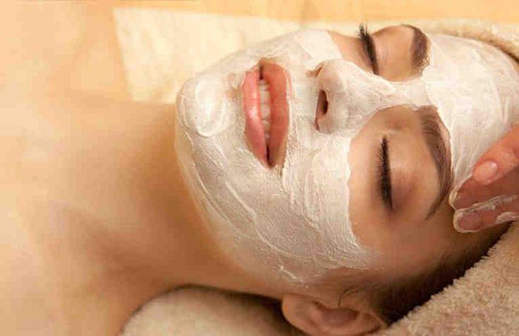 Todas sufrimos los efectos del paso del tiempo en nuestra piel, sentir temor a las arrugas son las principales causas de preocupación en toda mujer, ya que diariamente está expuesta a factores externos. Son miles y miles de productos cosméticos que hay para su tratamiento, tal vez te preguntarás ¿Cu