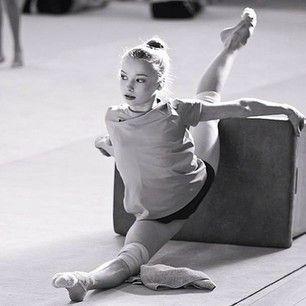rhythmic gymnastics training - Recherche Google