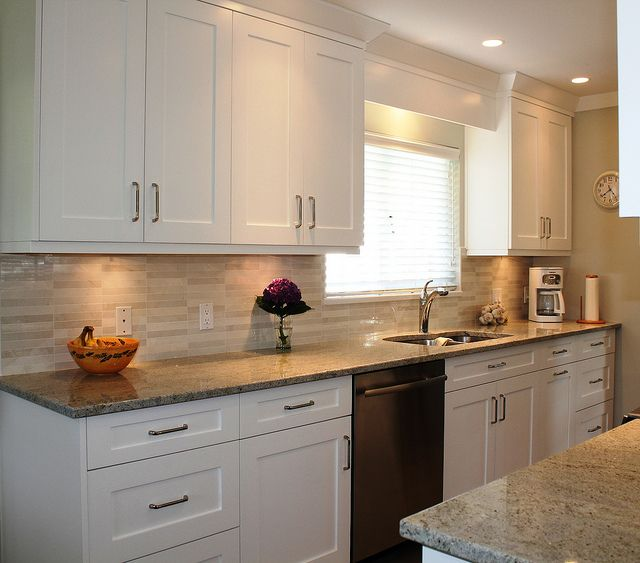 white shaker cabinets, like backsplash, cabinet lighting