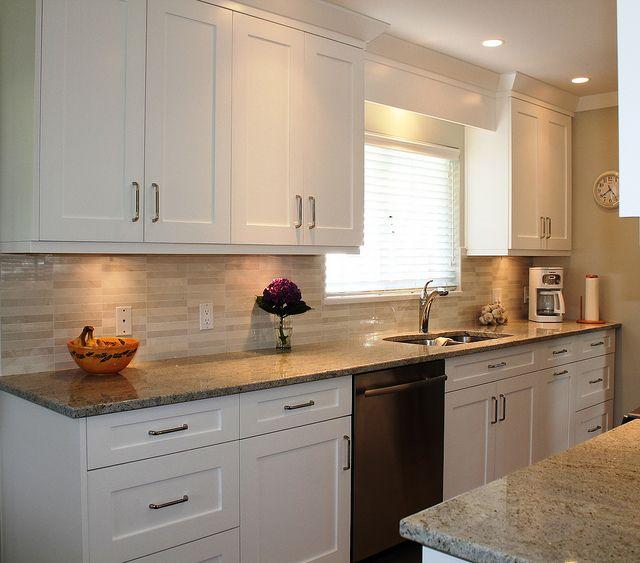 Kitchen Backsplash Neutral: 25+ Best Ideas About Tan Kitchen Cabinets On Pinterest