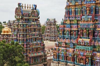 Meenakshi, templul hindus ai cărui pereţi sunt formaţi din mii de sculpturi http://www.antenasatelor.ro/turism/9157-meenakshi,-templul-hindus-ai-carui-pereti-sunt-formati-din-mii-de-sculpturi.html