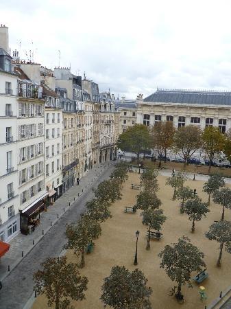 bastille hostel paris review